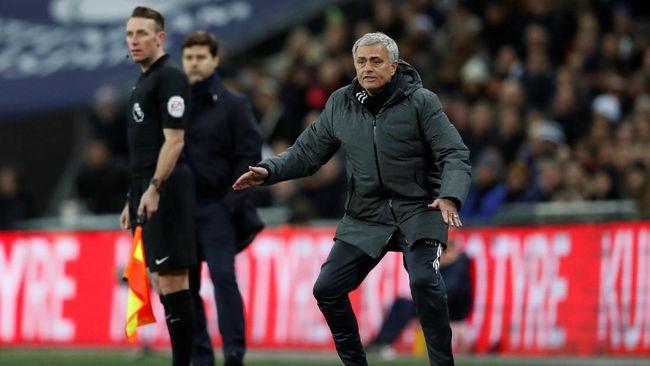 Mourinho Diprediksi Jadi Pelatih Pertama yang Dipecat