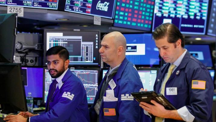 Wall Street yang awalnya bergeral melemah setelah pengumuman data inflasi AS, ditutup menguat