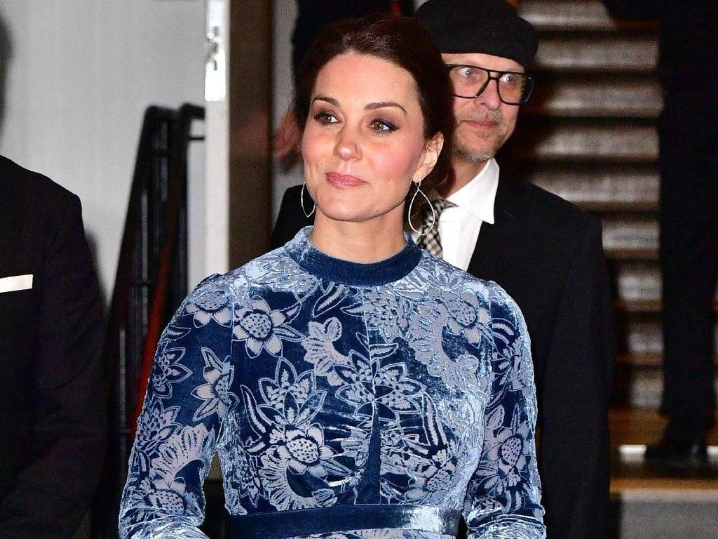 Foto: Gaun Rp 50 Juta Kate Middleton yang Netizen Sebut Mirip Kain Gorden
