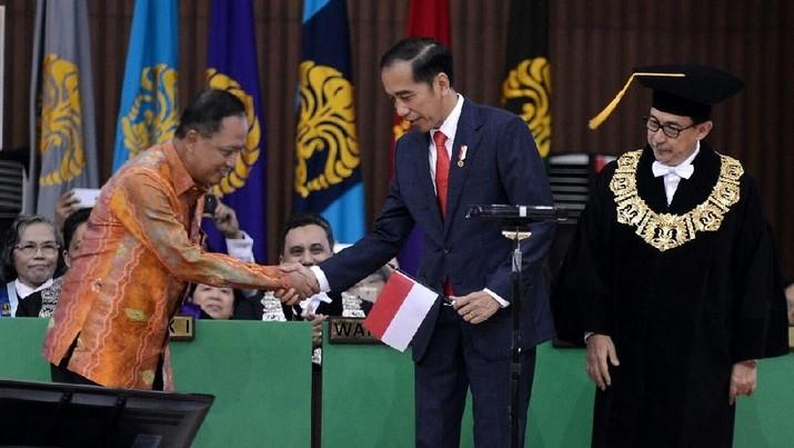 Presiden Joko Widodo (Jokowi) menyatakan pembangunan sumber daya manusia (SDM) akan menjadi fokus Pemerintah pada 2019.