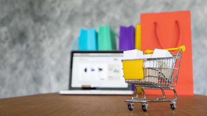 Pemerintah akan mewajibkan penggunaan Kartin1 dalam transaksi belanja online.