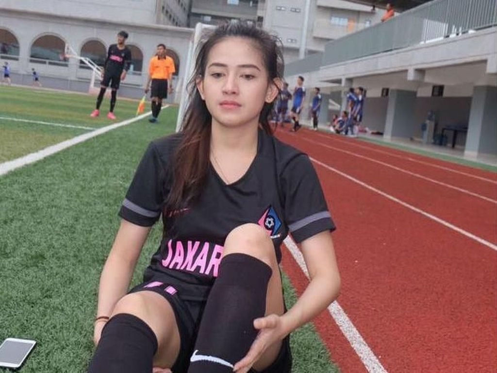 Potret Nadie Tanadie, Atlet Futsal Cantik yang Bikin Pria Gagal Fokus