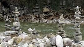 Batu Bersusun di Sukabumi, Antara Mistis dan Iseng