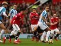Manchester United vs Huddersfield Town Tanpa Gol di Babak I