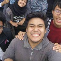Nah ini dia nih sosok Zaadit, mahasiswa dari Fakultas Matematika dan Ilmu Pengetahuan Alam (FMIPA) UI jurusan Fisika. (Foto: Instagram/zaaditt)