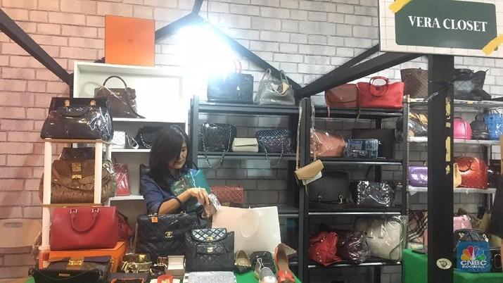 Bazaar Posh Markt digelar di Lippo Mall Puri, Jakarta Barat, dengan menjual merek-merek fashion premium