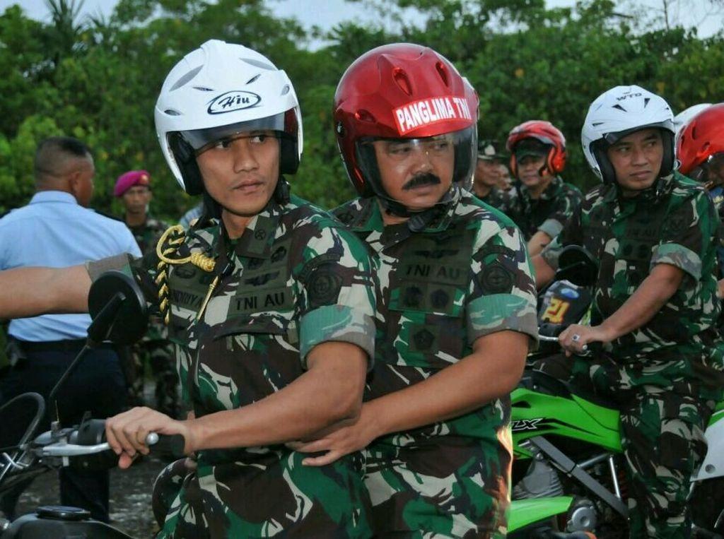 Panglima TNI Marsekal TNI Hadi Tjahjanto mengatakan bahwa rencana pembangunan yang diperuntukan untuk Pangkalan TNI tersebut sudah masuk dalam Rencana Strategis (Renstra) TNI dalam rangka memenuhi Minimum Essential Force (MEF). Dok. Puspen TNI.
