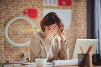 Jangan abaikan sakit kepala yang tidak ketahuan sebabnya dan tidak sembuh-sembuh. Pastinya berhubungan dengan sistem saraf, dan bukan tidak mungkin berhubungan dengan kanker di otak. Foto: Thinkstock