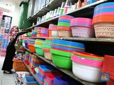 Ingin Sampah Turun, Konsumsi Barang Plastik Bakal Berkurang