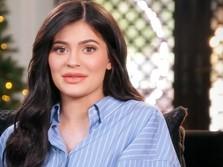 Kylie Jenner Habiskan Rp 945 Juta untuk Baju Bayi