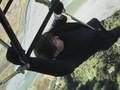 Tom Cruise Aktor Pertama yang Melompat HALO di Depan Kamera