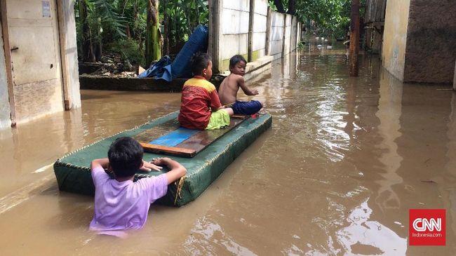 Hasil gambar untuk banjir cawang jakarta timur