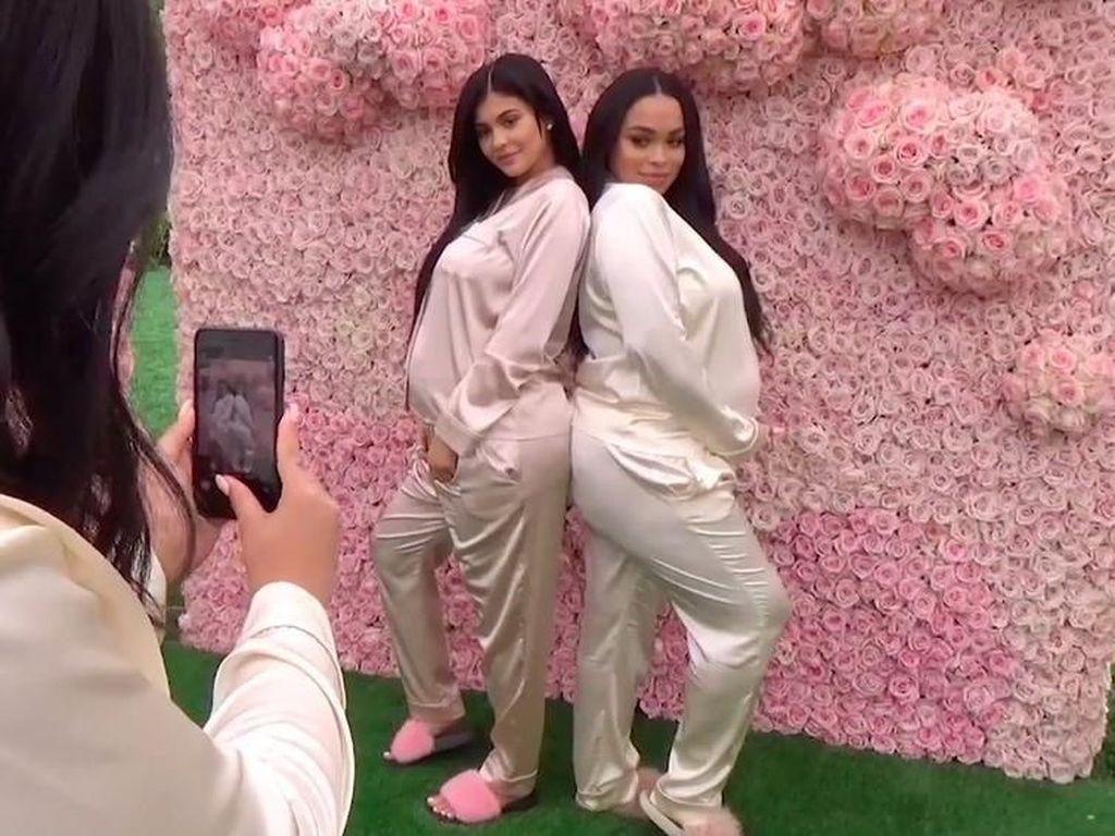 Foto: Intip Baby Shower Serba Pink Kylie Jenner yang Digelar Diam-diam