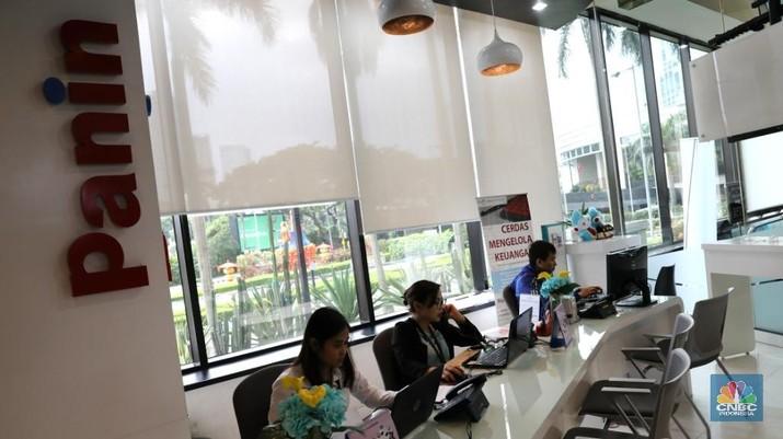 Kedua instrumen surat utang tersebut akan dicatatkan di Bursa Efek Indonesia (BEI) pada 4 Juli mendatang.