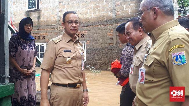 Hindari Kontroversi, Anies Enggan Bahas Normalisasi Sungai