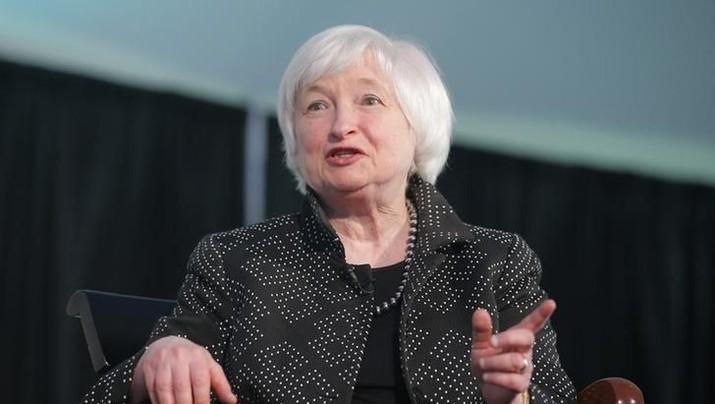 Mantan bos The Fed, Janet Yellen, mempertanyakan pengetahuan Trump tentang kebijakan moneter serta pemahamannya tentang ekonomi dasar.
