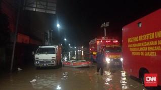 Satpol PP Jakarta Jaga Permukiman Rawan Banjir