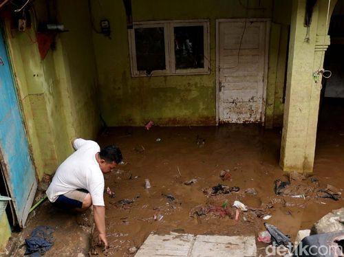 Menkes Waspadai Kencing Tikus Mencemari Air Banjir