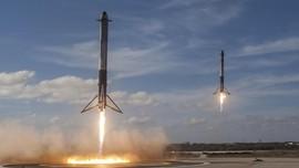 Inti Roket Falcon Heavy SpaceX Jatuh di Samudera Atlantik