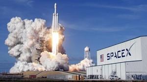FOTO: Detik-Detik Peluncuran Roket Super SpaceX