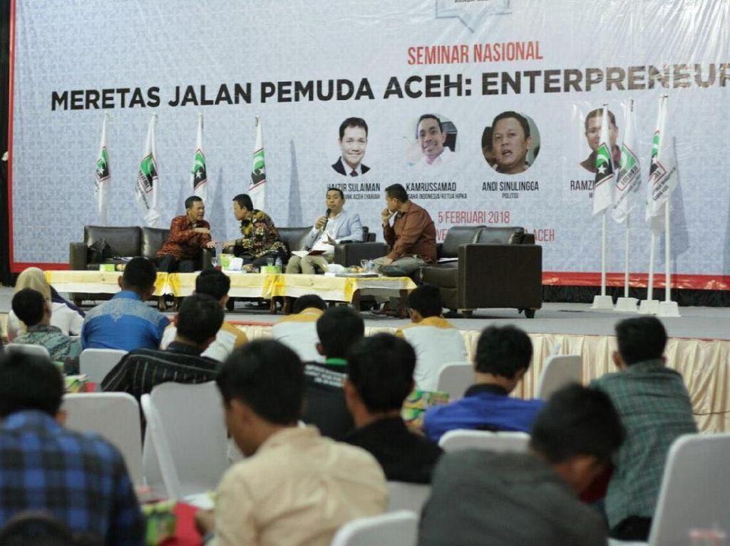 Ketua Hipka Kamrussamad menegaskan, Indonesia mutlak berdaulat secara ekonomi. Karena itu, spirit kewirausahaan menjadi penting dikembangkan di kalangan generasi muda. Menurutnya, jika Aceh ingin maju maka salah satunya mendorong generasi muda untuk berwirausaha (enterpreneur). Dok. KAHMi.