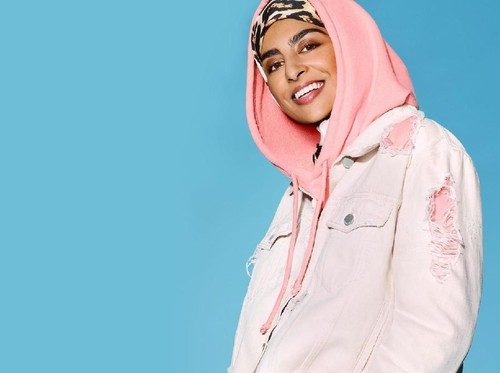 Anti Stereotipe, Brand Busana Inggris Pakai Model Berhijab