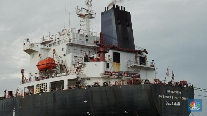 Penerapan peraturan tersebut berpotensi meningkatkan kinerja emiten pelayaran yang sahamnya tercatat di Bursa Efek Indonesia (BEI).