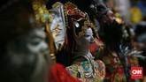"""Tokoh penting yang memberikan inspirasi akan kegigihan, semangat, kejujuran, kebijaksanaan serta integritas dalam pewayangan Potehi dan wayang kulit China-Jawa adalah sosok Raja Muda """"Sie Jin Kwi"""". (CNN Indonesia/Andry Novelino)"""