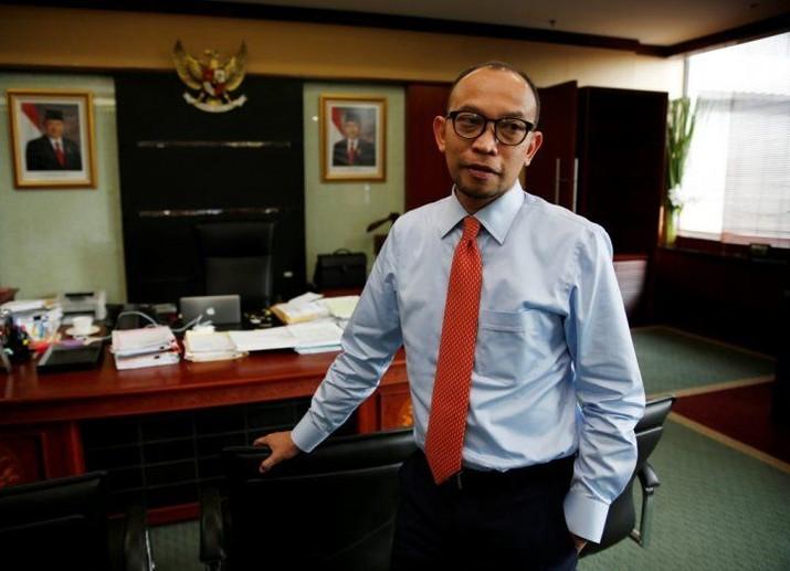 Presiden akan mengirimkan nama-nama calon gubernur kepada Parlemen untuk uji kepatutan dan kelayakan.
