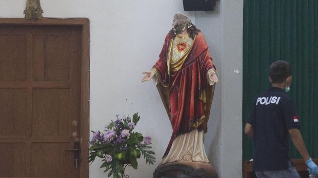 Kejanggalan Aksi <i>Lonewolf</i> di Gereja Lidwina Sleman