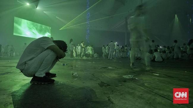 Sepanjang sejarahnya, Sensation telah mengundang ratusan DJ terbaik internasional, seperti Tiesto, Armin van Buuren, Martin Garrix, Hardwell, David Guetta, serta mantan anggota Swedish House Mafia. CNN Indonesia/Bisma Septalisma