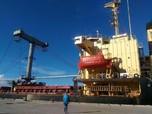 Surplus Perdagangan China Turun Tajam di April