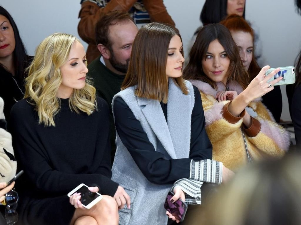 Foto: Artis Dunia di Front Row New York Fashion Week, Siapa Termodis?