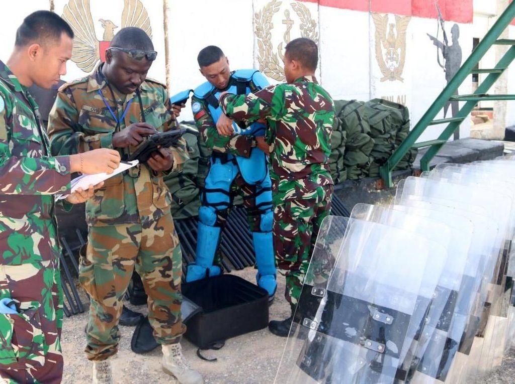Untuk Major Equipment meliputi kendaraan tempur, kendaraan ringan, kendaraan pendukung operasional, alat berat zeni, alat observasi, container, senjata dan munisi, generator, alat kesehatan, serta peralatan anti huru-hara. Pool/Konga.
