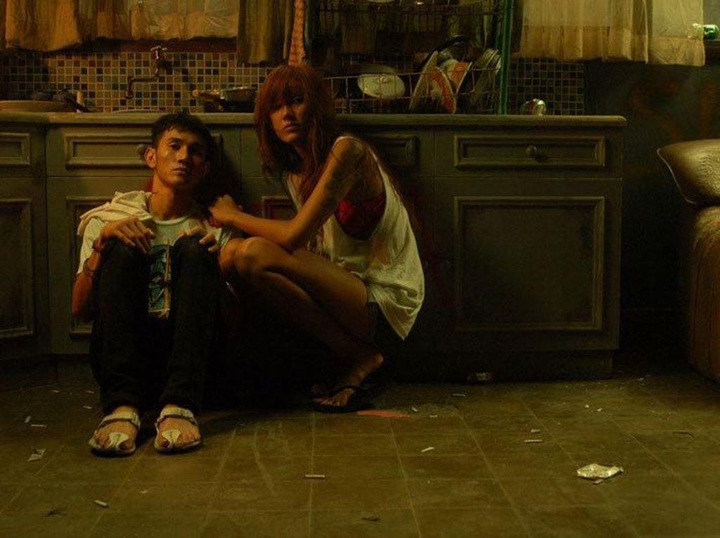10 Pasangan Kekasih dalam Film yang Bikin Baper, Siapa Favorit Kamu?