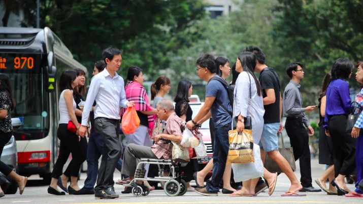 Pemerintah Singapura kian ketat memberlakukan aturan untuk memutus mata rantai penularan virus corona.