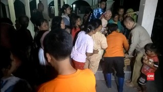 VIDEO: Banjir Cirebon, Warga Ricuh Berebut Makanan