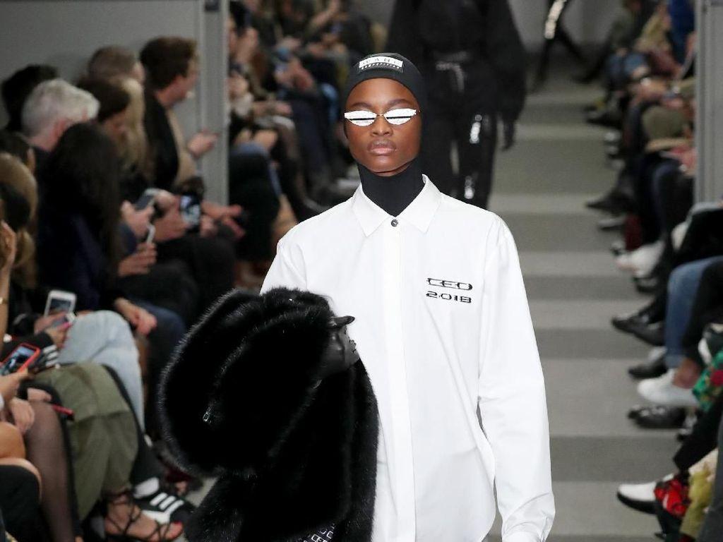Foto: 20 Koleksi Terbaru Alexander Wang Terinspirasi The Matrix