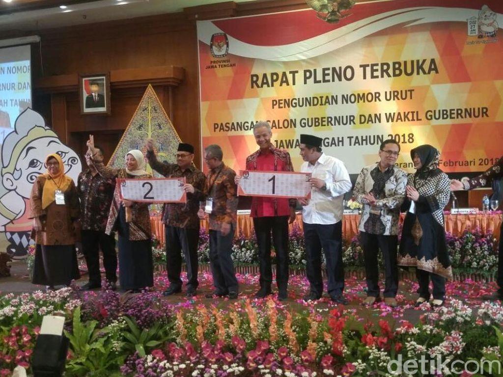 KPU Jateng menggelar Rapat Pleno Terbuka Pengundian Nomor Urut Pasangan Calon Gubernur dan Wakil Gubernur Jateng 2018. Rapat digelar di Hotel Patrajasa, Semarang, Selasa (13/2/2018).