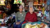Nhuchhe Bahadur Amatya dan Raywoti Devi Amatya adalah pasangan dari Nepal yang dijodohkan 59 tahun lalu.
