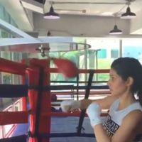 Dilihat dari akun Instagram pribadinya, Kat Ramnani tampak rajin melakukan olahraga. Foto: Instagram @katramnani