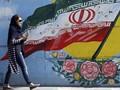 FOTO: Jejak Revolusi dan Kewajiban Berhijab di Iran