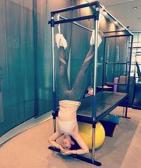 Salah satu cara yang dilakukan Kat Ramnani untuk menurunkan berat badannya adalah berolahraga. Foto: Instagram @katramnani