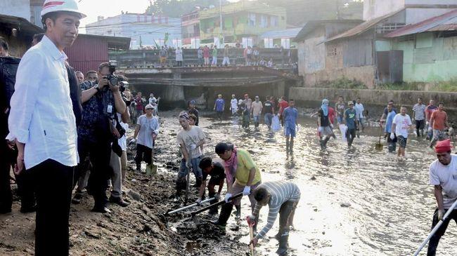Jokowi Klaim Dana Desa Berhasil Bangun 158 Ribu Km Jalan
