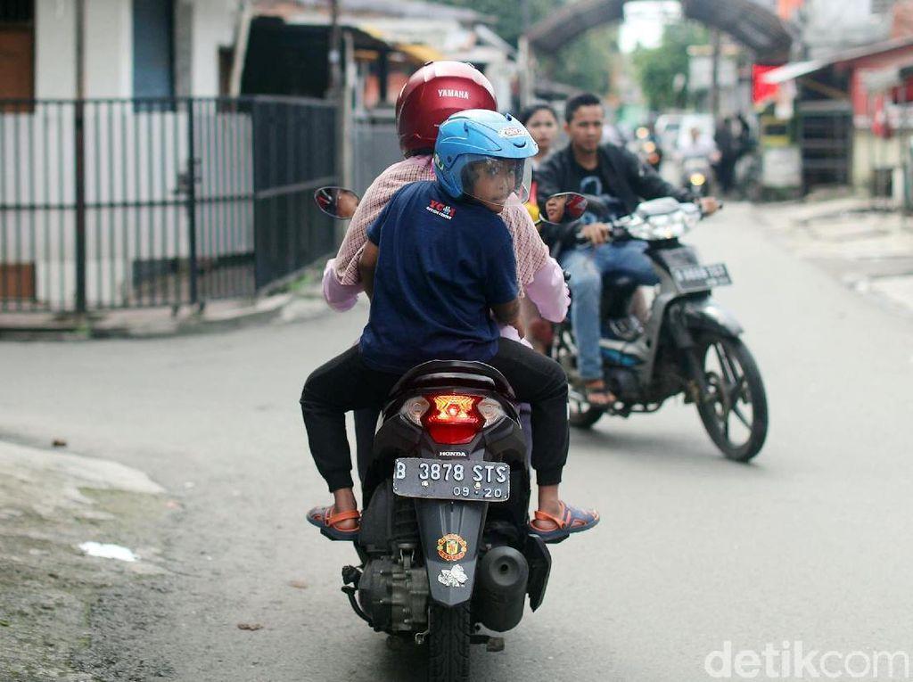 Jadi momen jalan-jalan naik motor bersama anak kedua yang bernama lengkap Arief Dwi Ramadani itu menjadi waktu yang sangat berharga.