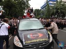 Tilang Dimulai April, Pengawasan Taksi Online Diperketat
