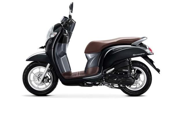 AHM Segarkan Tampilan New Honda Scoopy