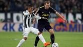 Tottenham Hotspur berada dalam tekanan besar lantaran mereka tertinggal lewat dua gol cepat. Namun skuat Mauricio Pochettino ini terus mencoba membongkar pertahanan Juventus. (Reuters/Paul Childs)