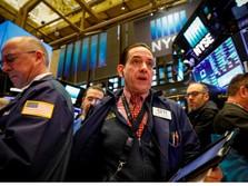Kuatnya Data Ekonomi Dorong Penguatan Wall Street Pekan Lalu
