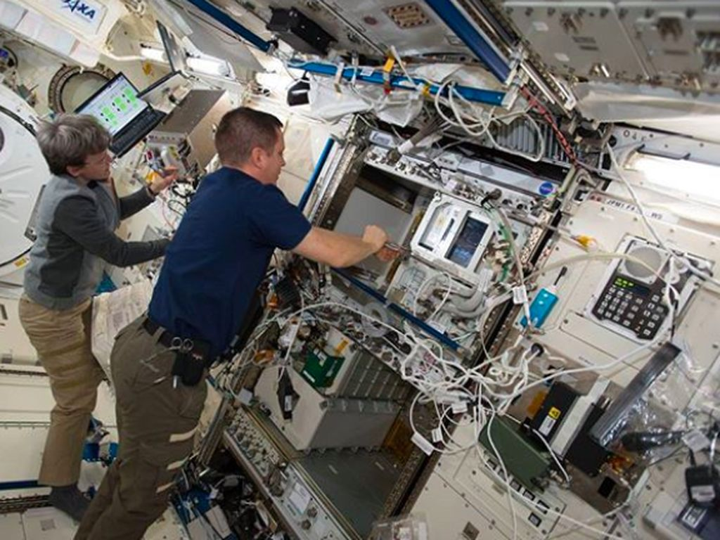 Kegiatan astronot di dalam ISS. Tujuan utama ISS adalah untuk melakukan berbagai penelitian. Foto: Instagram